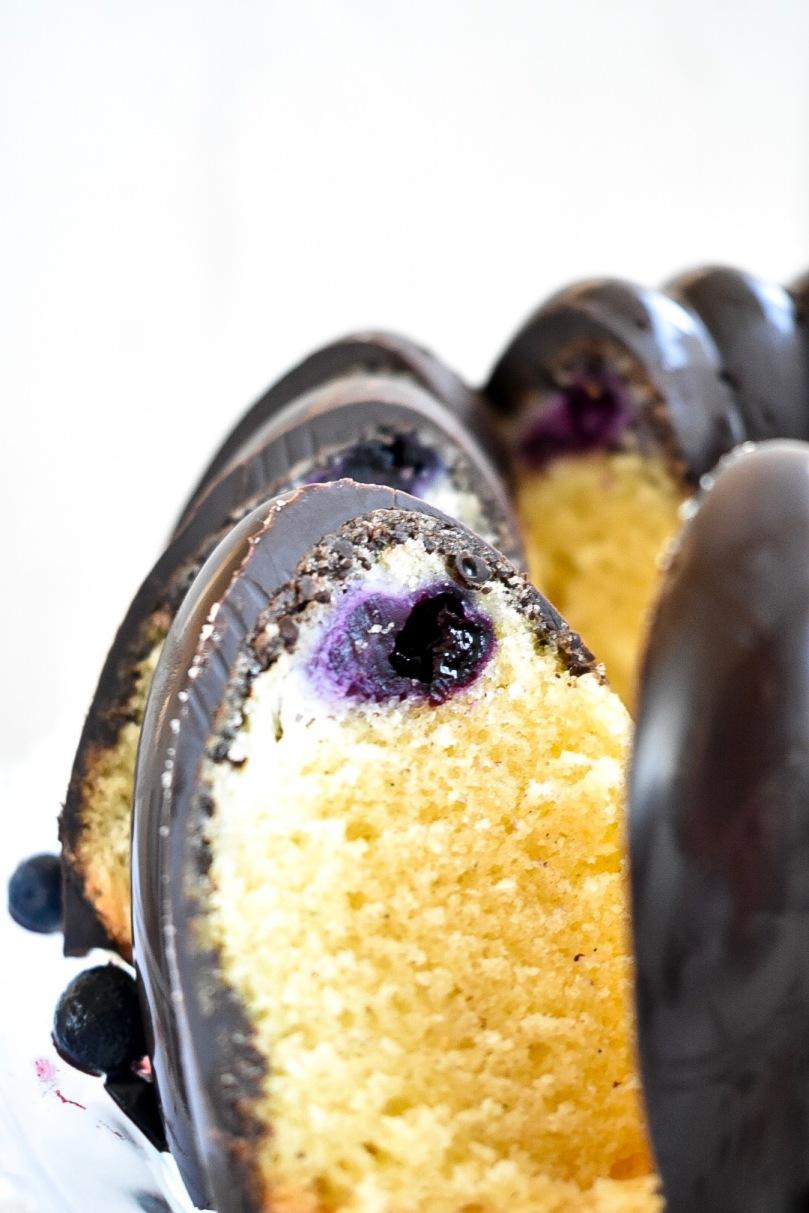Gugl mit Blaubeer Cheesecake Füllung (7).JPG